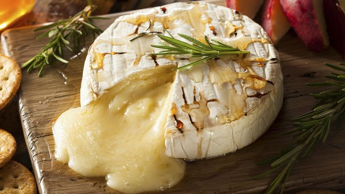 What Is a Good Baked Brie Cheese Recipe?