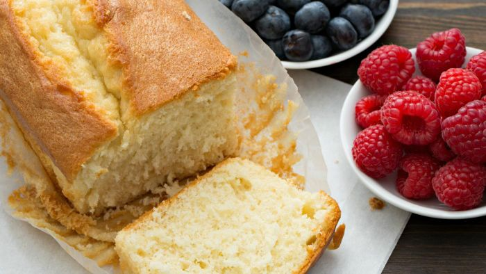 What Is the Nutritional Value of Pound Cake?