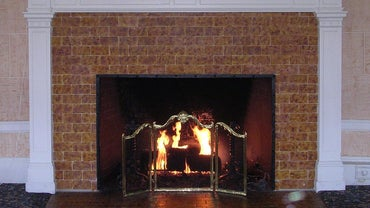 What Are Some Good Ideas for Painting a Brick Fireplace?