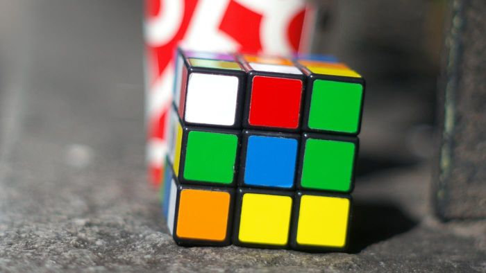 Are There Any Algorithms to Help You Solve a Rubik Cube?