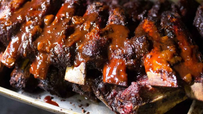 How Do You Make BBQ Ribs in the Oven?