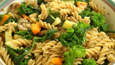 What Are Some Good Recipes That Contain Pasta and Vegetables?