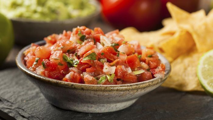 What are some recipes for homemade mild salsa?