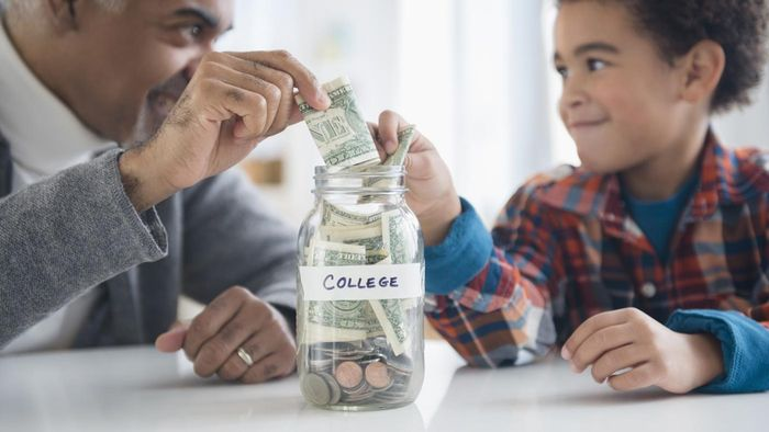 What Are Some Choices for College Savings Funds?