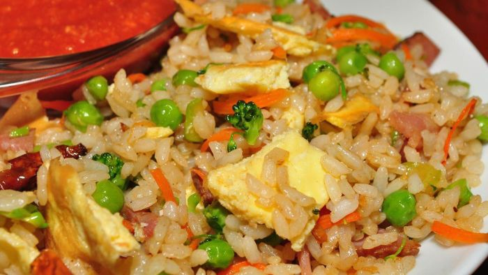 What Ingredients Are Needed for Shrimp Fried Rice?