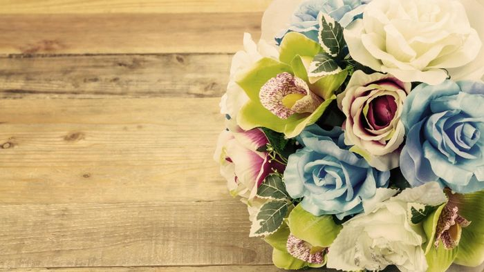 How Do You Make Wedding Bouquets With Silk Flowers?