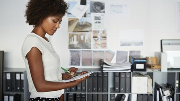 What Are the Duties of a Front Office Supervisor?