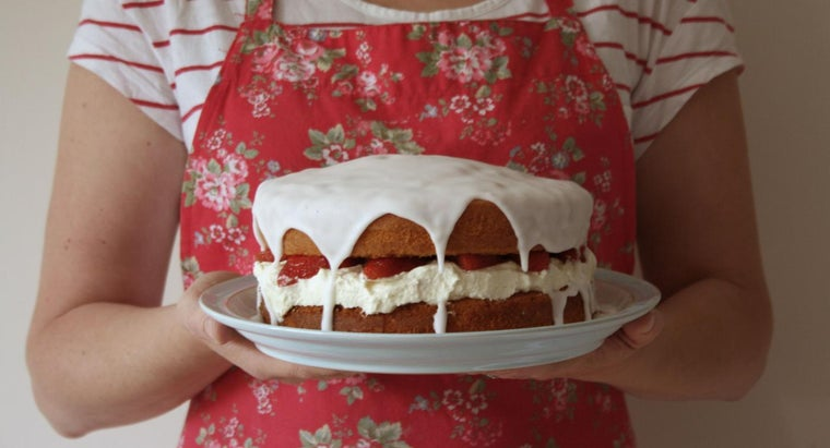 What Is an Easy Recipe for Making Sponge Cake?