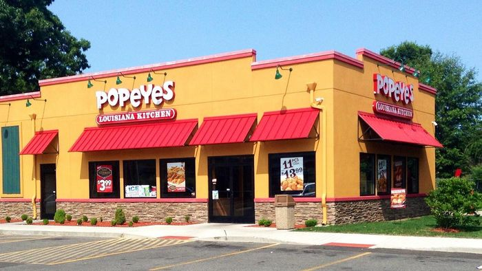 How Do You File a Job Application for Popeye's?