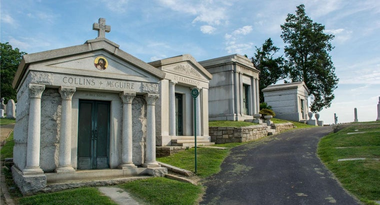 What Is the Significance of Mt. Olivet Cemetery?