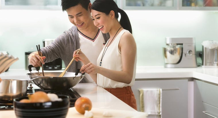 What Are Some Tips for Learning How to Cook?