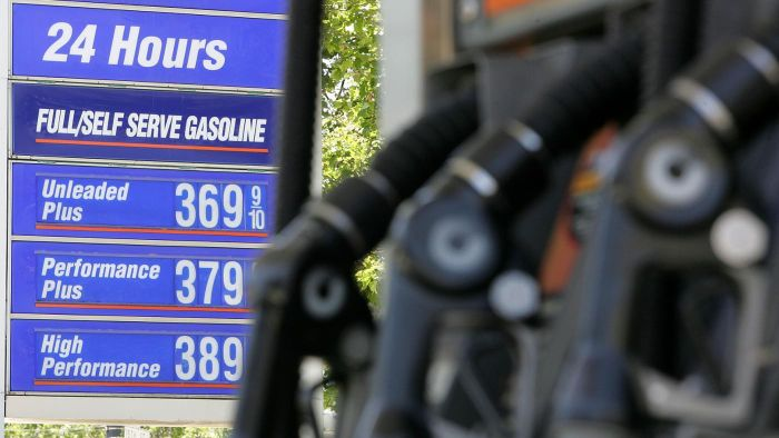 How Do You Identify the Cheapest Gas Price in an Area?