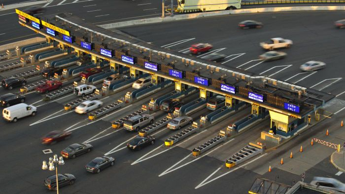 Can You Make Toll Payments With a Credit Card?
