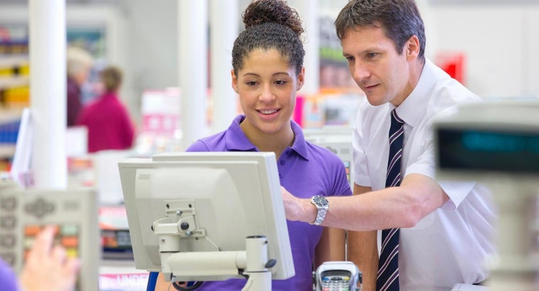 What Are Some Different Retail Training Courses?