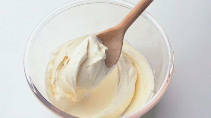 What Is an Easy Recipe for Butter Cream Icing?