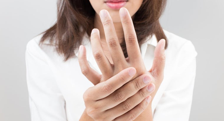 When Should You See a Doctor About Numbness in Your Fingers?