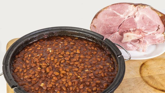 What Is a Recipe for Ham and Navy Beans in a Crock-Pot?