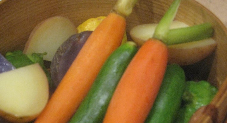 How Do You Use a Stovetop Food Steamer to Cook Vegetables?