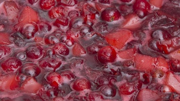 What Is a Good Recipe for Homemade Cranberry Sauce?