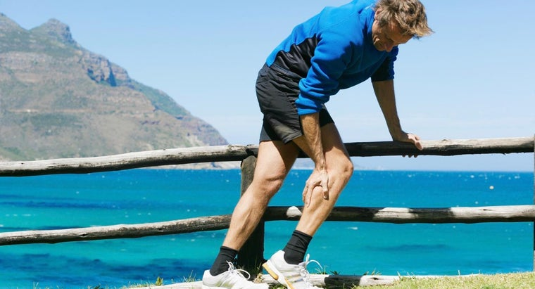 How Is Knee Pain Caused by Gout Treated?
