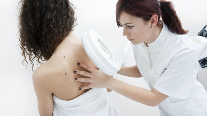 What is the best treatment for skin dermatitis?
