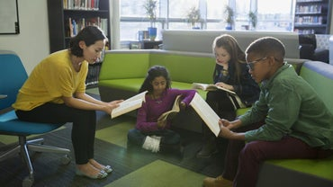 What Are Some Reading Games for Fourth Graders?