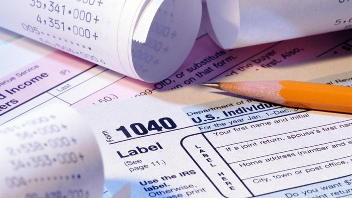 What Information Is Included in the Federal Withholding Tax Table?