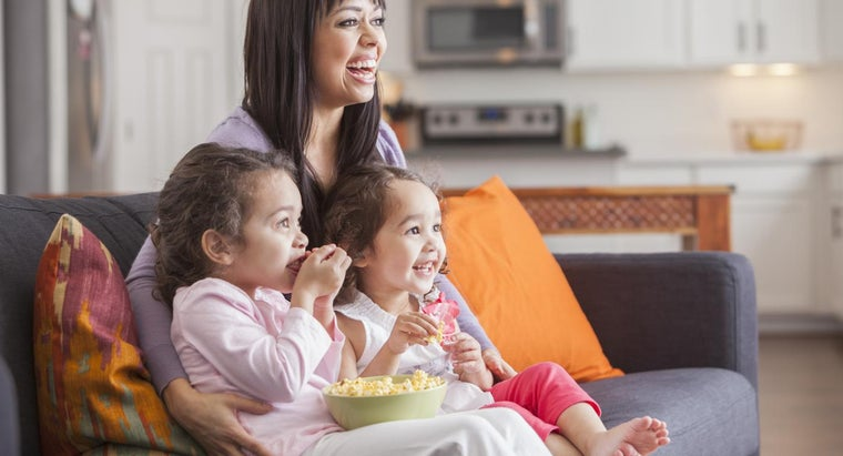 """What Can Children Learn by Watching """"The Electric Company"""" on PBS Kids?"""