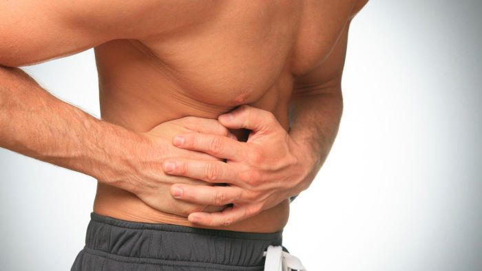 Do the Symptoms of a Cracked Rib Include Pain Every Time the Injured Person Inhales?