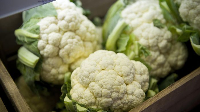 What Are Great Recipes for Baking a Whole Cauliflower?