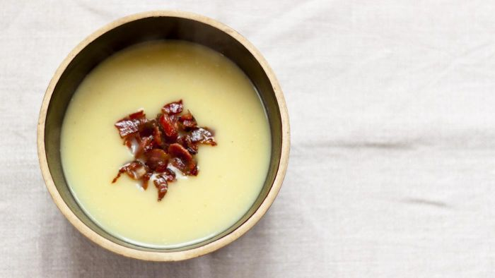How Many Calories Are in Potato Soup With Bacon?