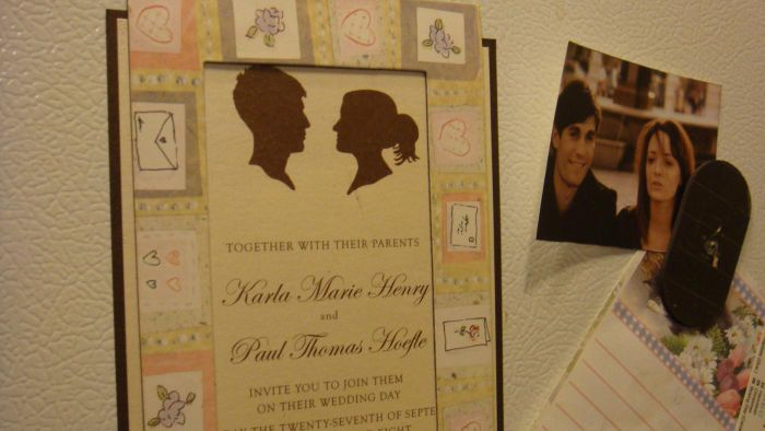 What Retailers Offer Save the Date Magnets?