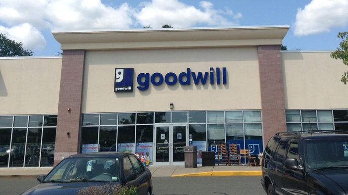 Does Goodwill Offer a Free Donation Pickup Service?
