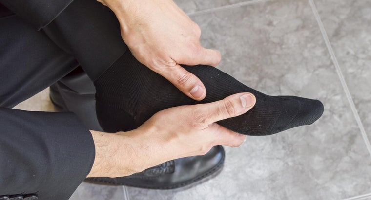 What Are Some Cures for Heel Spur Pain?