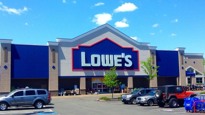 What Is the Lowe's Tool Rental Program?