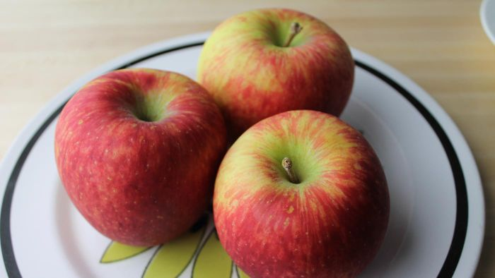 What are some apples that work well for cooking?