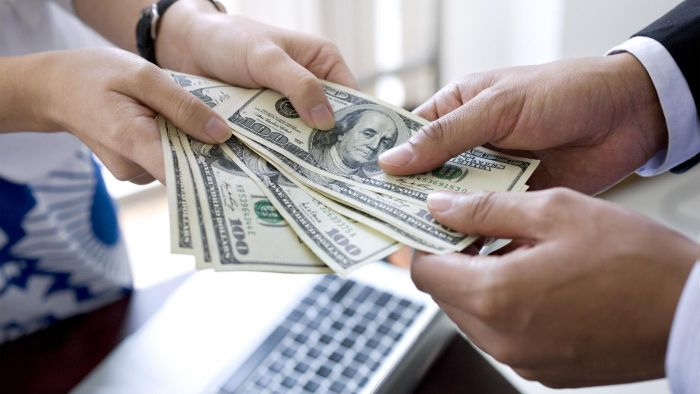 Are there legitimate cash lenders?