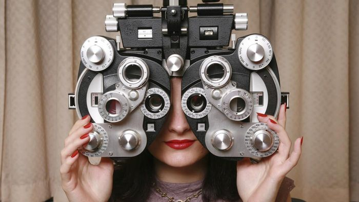 What Is a Refraction in an Eye Exam?
