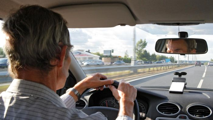 Are There Any Driving Jobs for Seniors?
