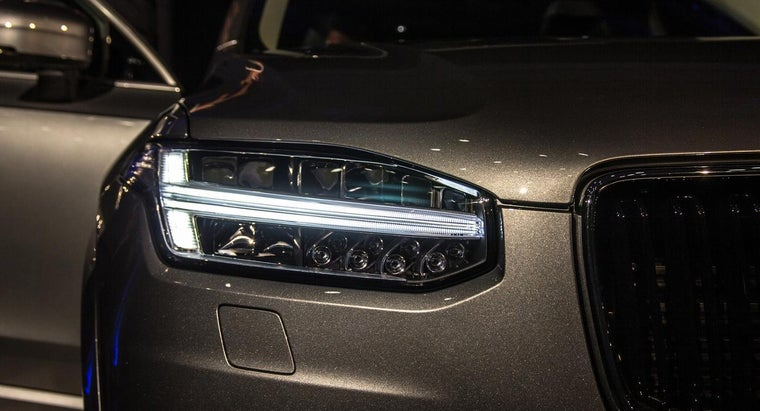 What Are Some Specifications for the Volvo XC90?