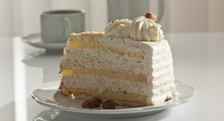 What Is an Easy Recipe for Italian Cream Cake?