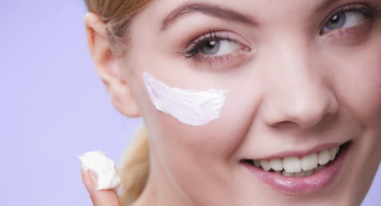 How Can You Treat Dry Skin on Your Face?
