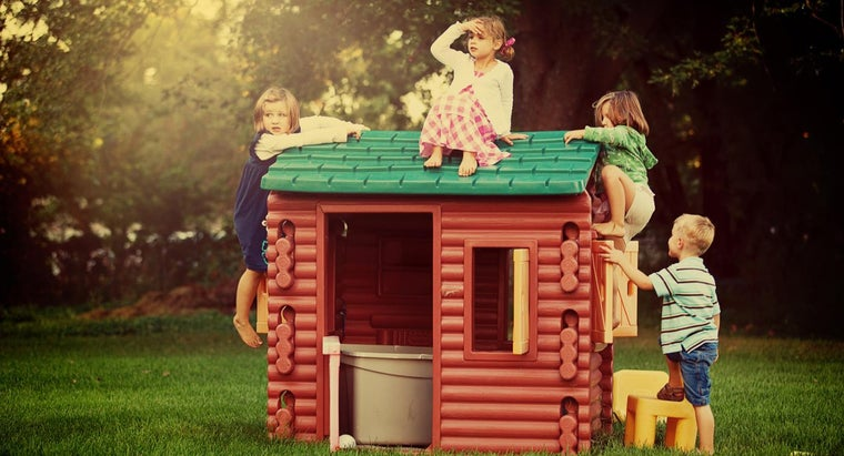 What Are Some Good Brands of Children's Playhouses?